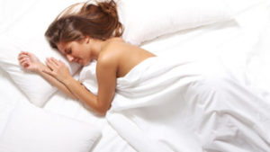 Benefits of sleeping without clothes