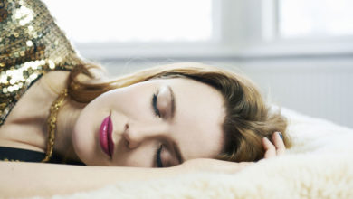9 Things That Happen When You Sleep With Your Makeup